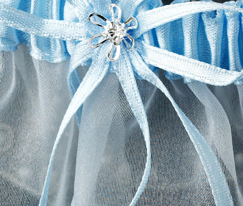 Garters Wedding: Elegant Bridal Hair Accessories