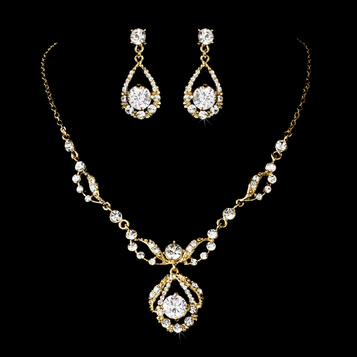 Karina Necklace Earrings Set