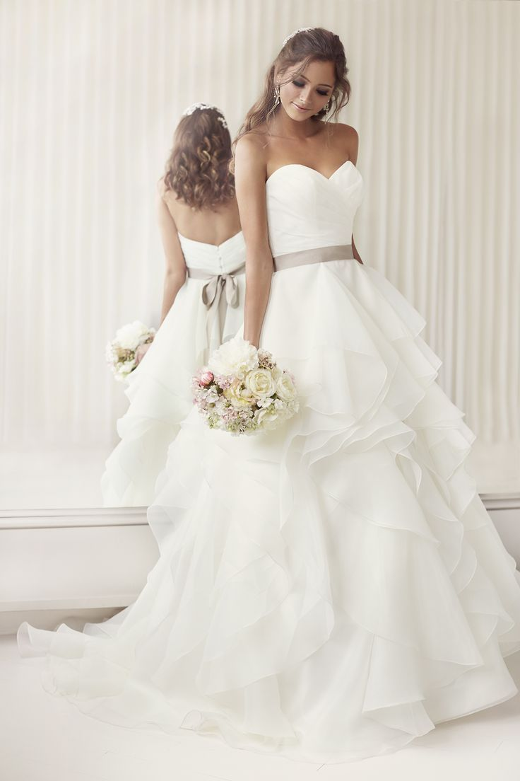 20 Elegant Simple Wedding Dresses of 2015 - BridalTweet Wedding ...