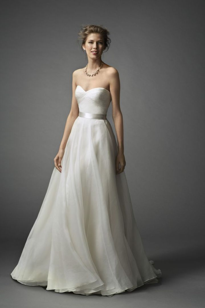 20 elegant simple wedding dresses for Simple elegant short wedding dresses
