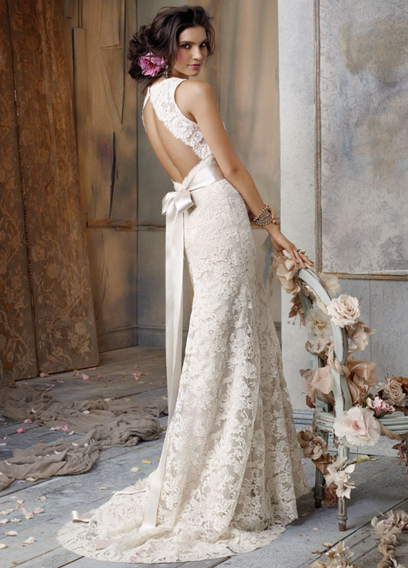 12 beautiful backless wedding dresses gowns for Ivory champagne wedding dress