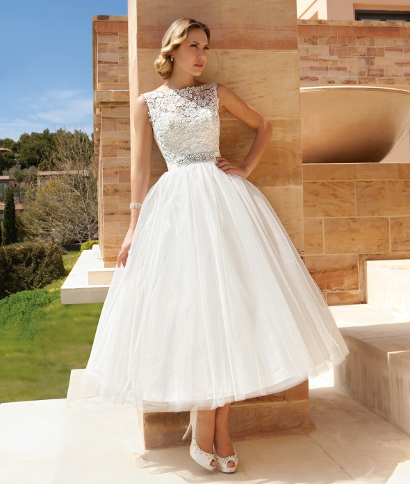 tulle skirt short wedding dress