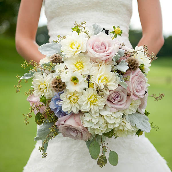 23 Pretty Spring Wedding Flowers And Ideas