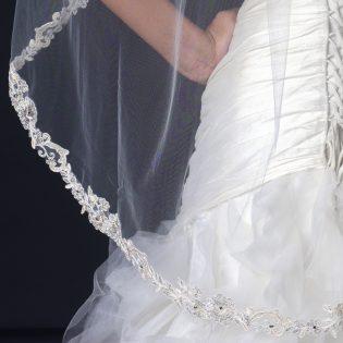 Fingertip Lace Veil